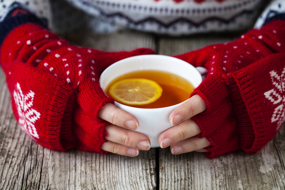 winter-woman-cup-of-tea